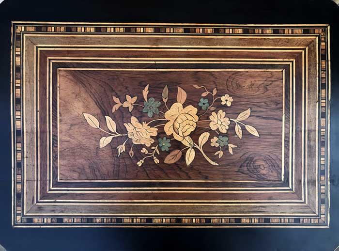 Rénovation table Napoléon III restauration complète marquèterie LYON 7