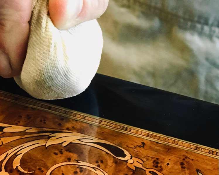Restauration marquèterie et Objet d'Art Lyon 7